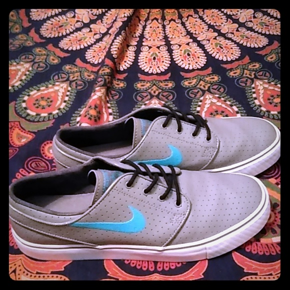 Nike Other - Nike SB Stefan Janoski Men's 9 EUC Grey &Turq